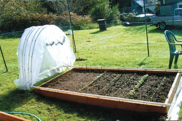Diy Retractable Pvc Hoop House With Images Raised Garden