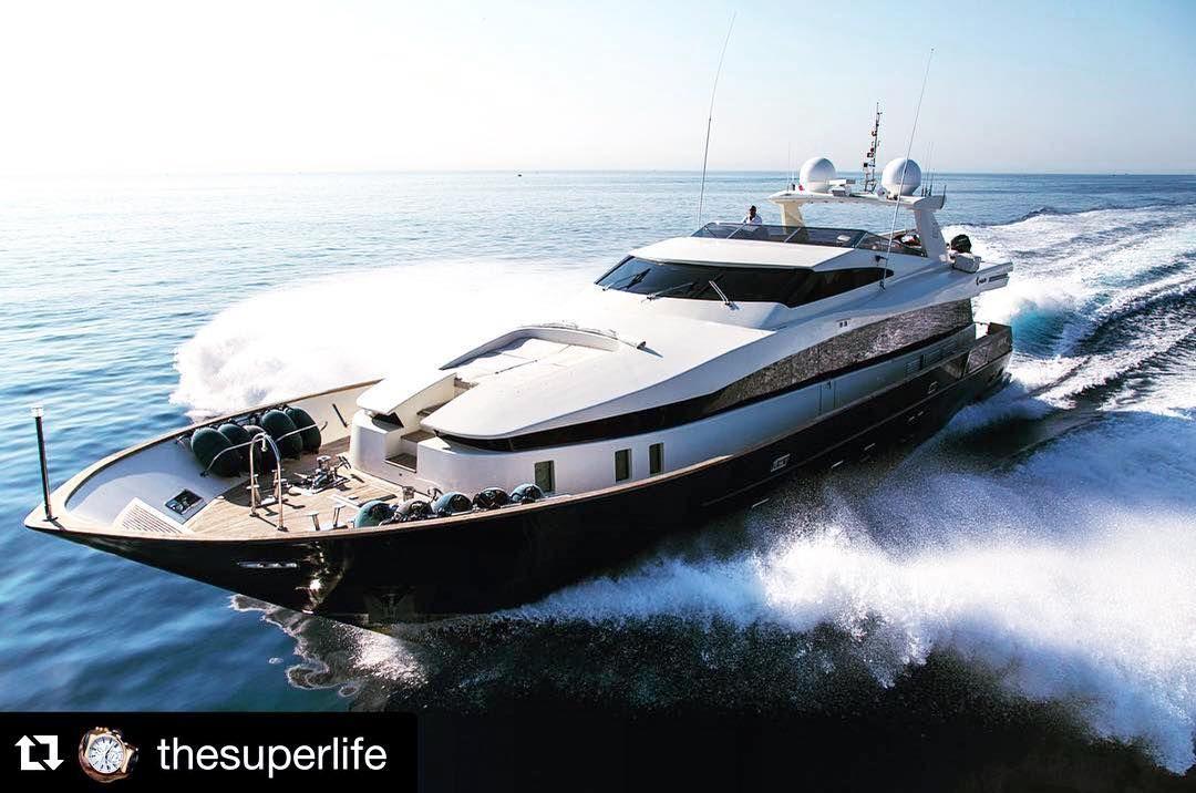 Looks so majestic  #Repost @thesuperlife with @repostapp.  #superyacht #yacht #yachtgoals #luxury #luxuryyachts #iwantthis #iwantone #thesuperlife #style #followus #tagus #highlife #luxurylife #lifestyle #pureluxury by poshlifestyles