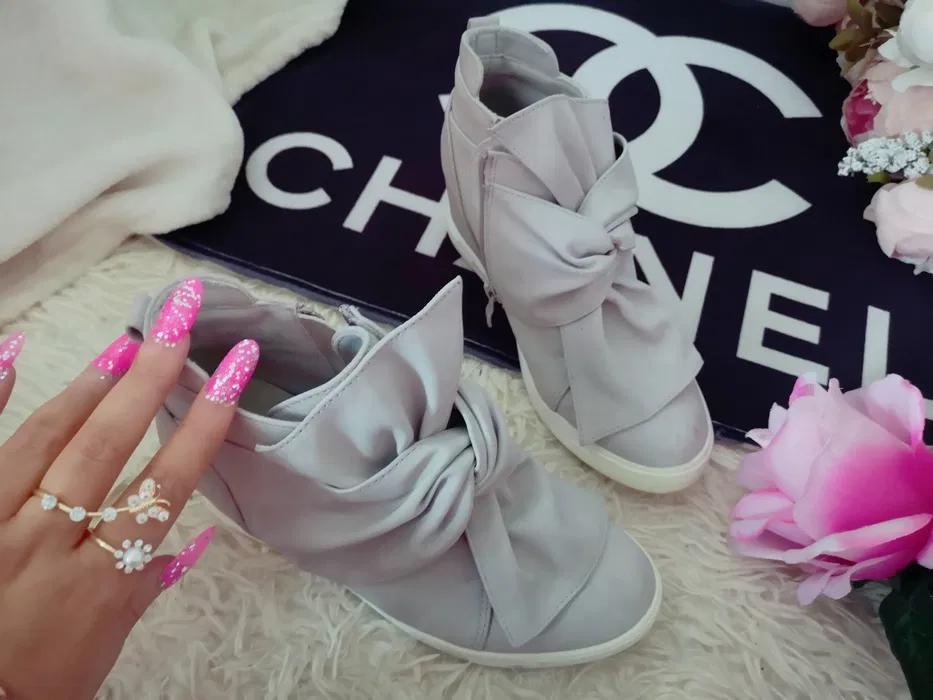 Szare Zamszowe Zamsz Adidasy Sneakersy Koturn Kokarda 36 Zamek Kielce Olx Pl Bow Sneakers Sneakers Ribbon Slides