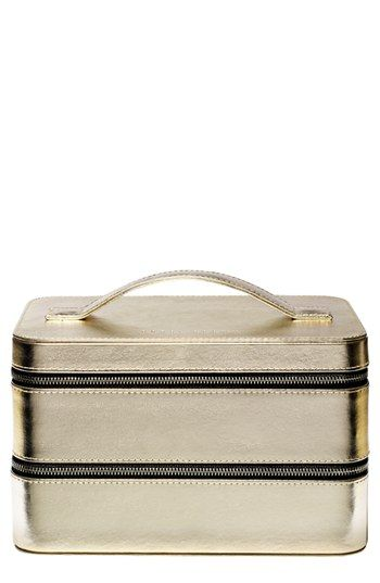Bobbi Brown's Limited Edition 'Old Hollywood Beauty' Travel Case  http://rstyle.me/n/dnm7tnyg6