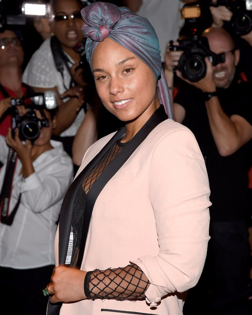 The 3 No Makeup Makeup Products Alicia Keys Uses In Her Barefaced Beauty Routine Beauty Routines Barefaced Beauty Beauty Routine Planner