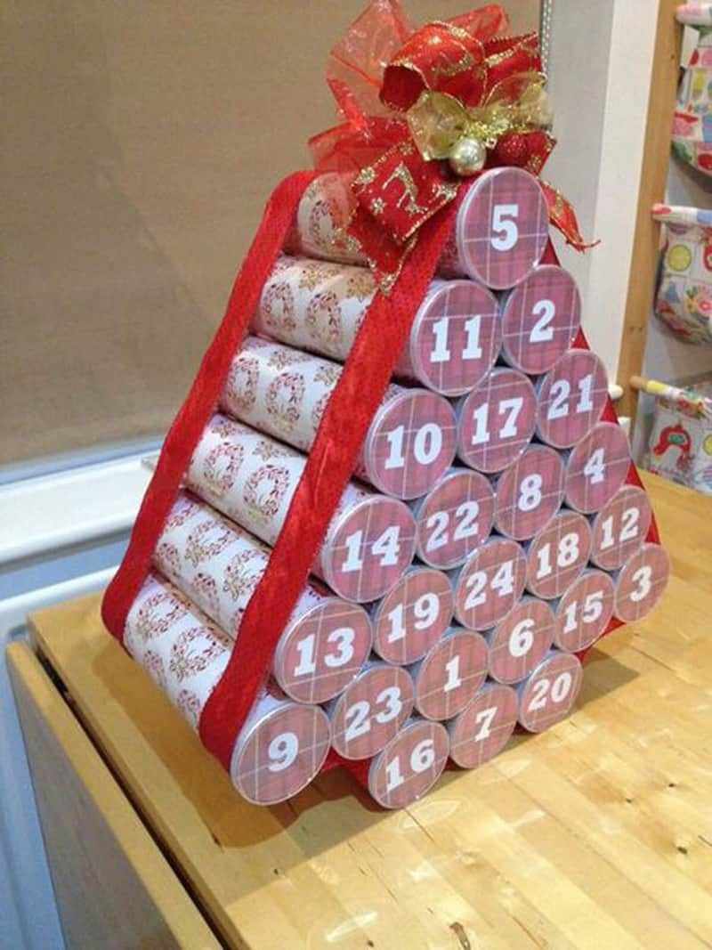 Advent Tree From Pringles Canisters In 2020 Beer Advent Calendar Diy Advent Calendar Christmas Calendar