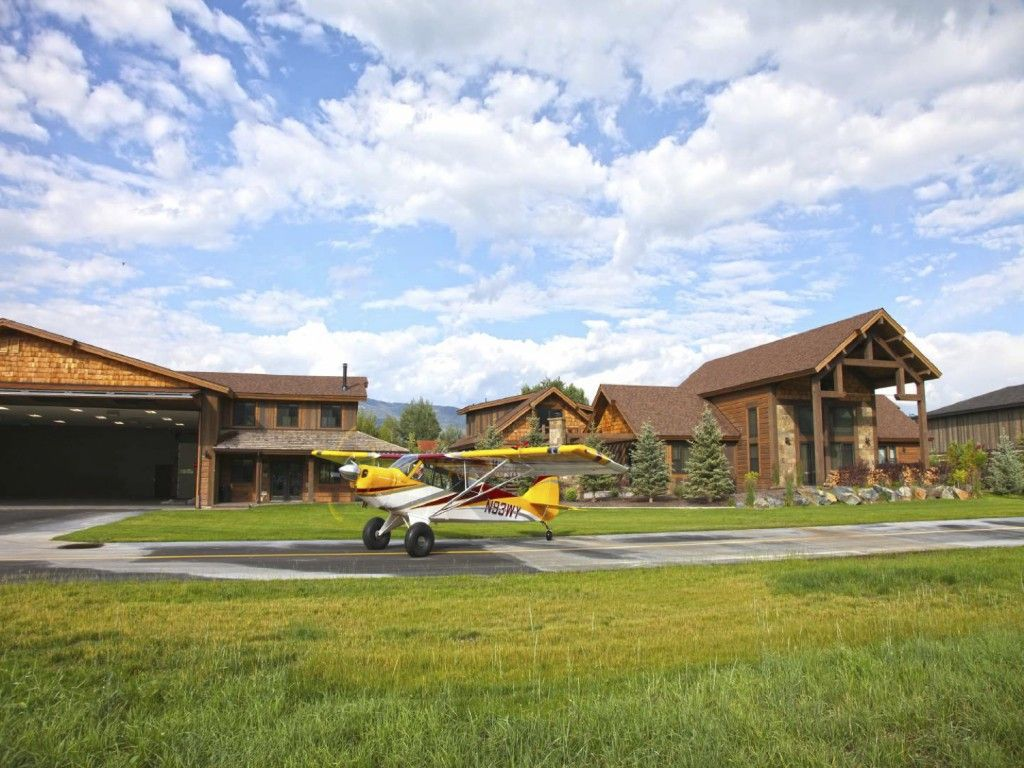 Browse our photo gallery airplane hanger house airplane