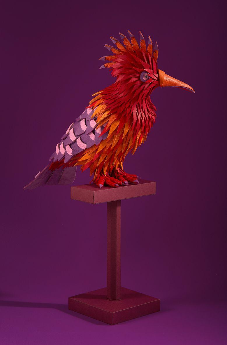 lucie thomas et thibault zimmermann du studio zim zou ont crees ces magnifiques oiseaux et autres animaux fabriques a la main a partir de cuir pour les