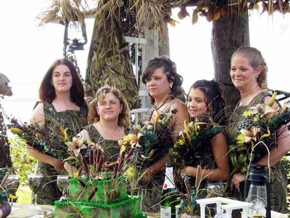 Bridesmaids in camo? I think yes ;) hahah
