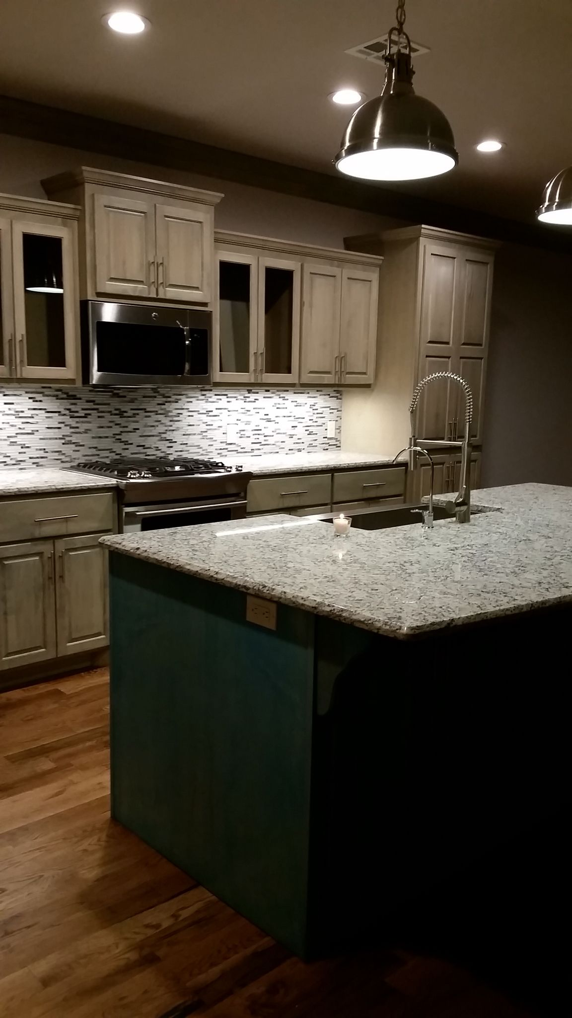 Dallas White 3 Cm Granite Used In This Kitchen With Stainless Farm House Sink Glass B Used Kitchen Cabinets White Granite Kitchen Granite Countertops Kitchen