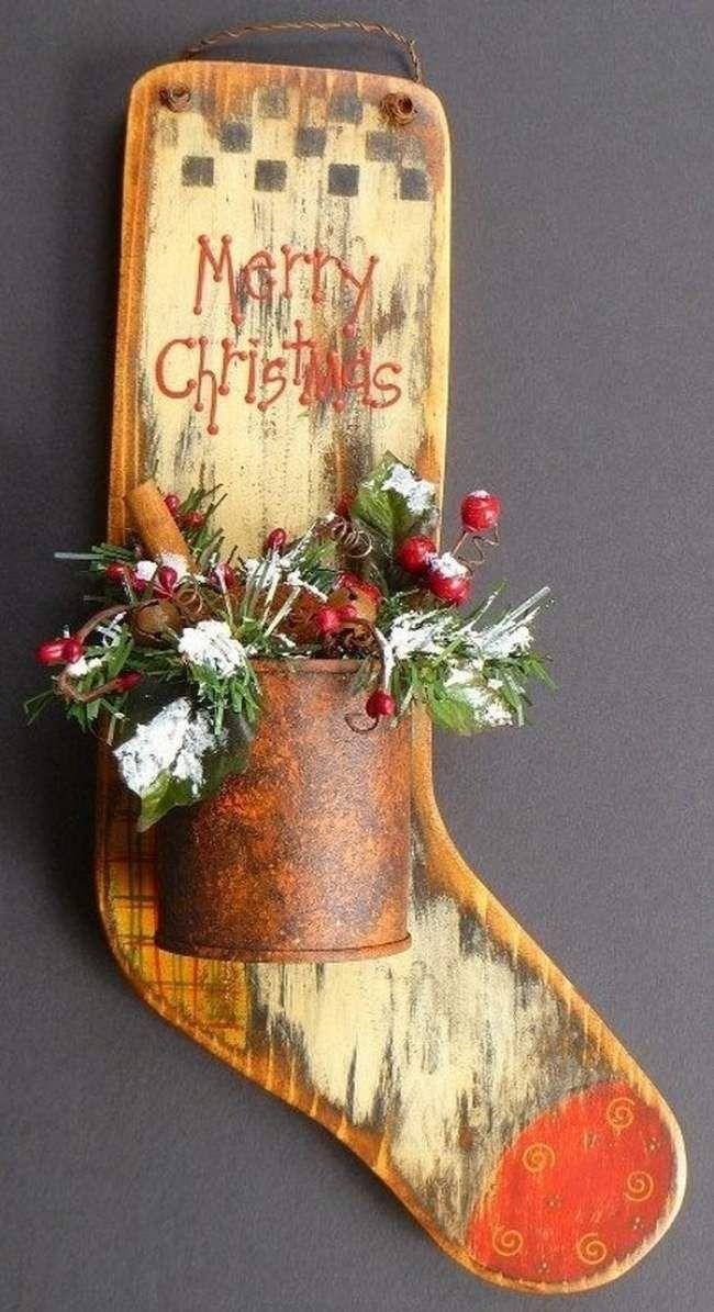 Kreative Ideen Für Weihnachtsdeko Holzstiefel Mit Blumen Dose In  Rost Optik Wandschmuck