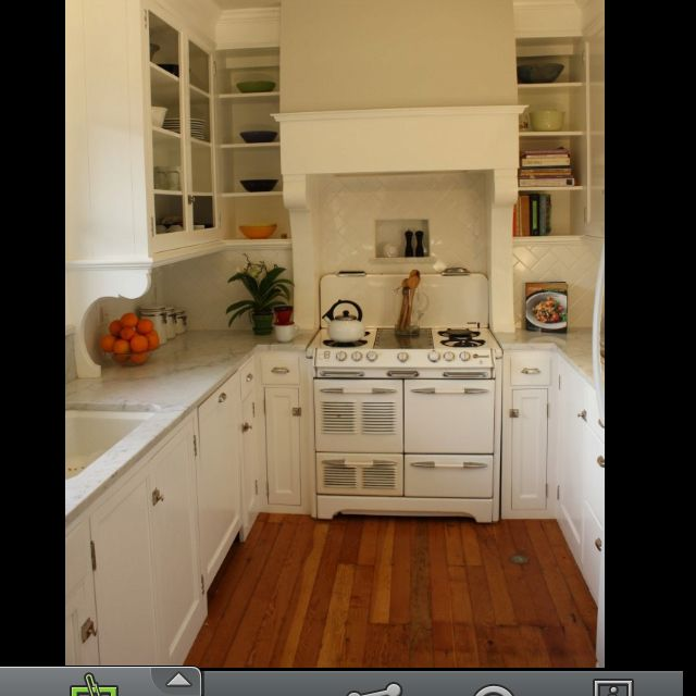 Best Small Kitchen Floor Plan From Houzz I Just Adore This 640 x 480