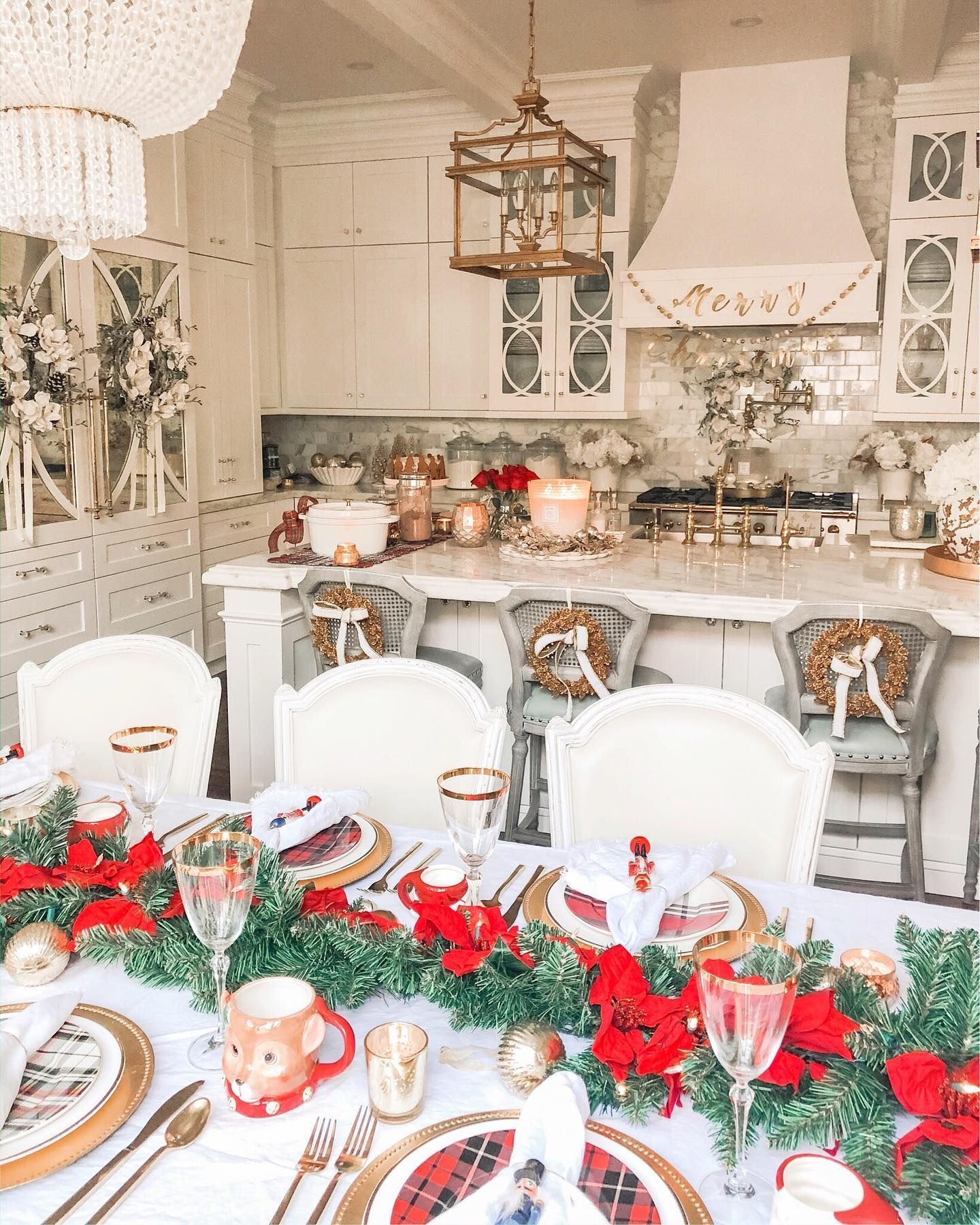 I'm sharing SIMPLE and FUN Christmas entertaining ideas on my blog