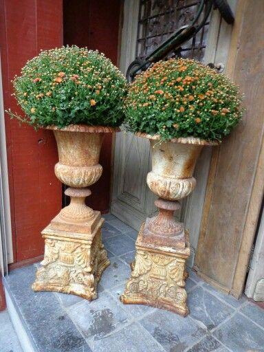 Decorative Urns For Plants New Pinbrit Harris On Garden Inspiration  Pinterest  Urn Inspiration