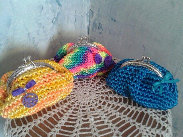 Monederos tejidos en cola de ratón carteras de trapillo Pinterest