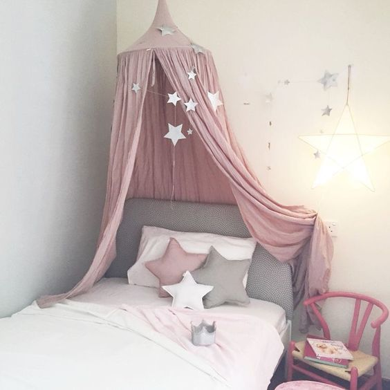 Lovely pink layout with dusty pink canopy star cushions and falling star garland & https://s-media-cache-ak0.pinimg.com/564x/d6/ac/02 ...