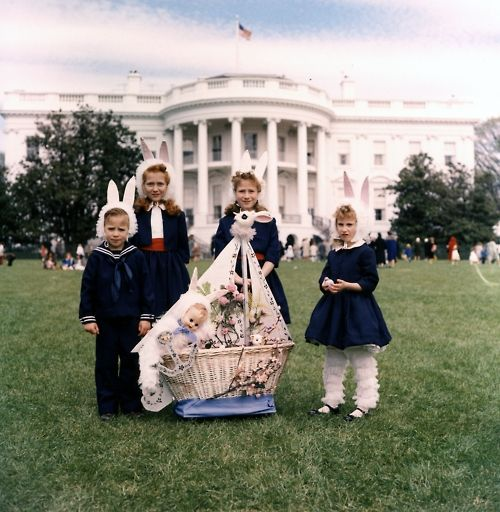 These Children Attended The 1961 Easter Egg Roll Hosted By The Kennedy Family South Lawn Of The White House Washi White House Easter Egg White House Kennedy