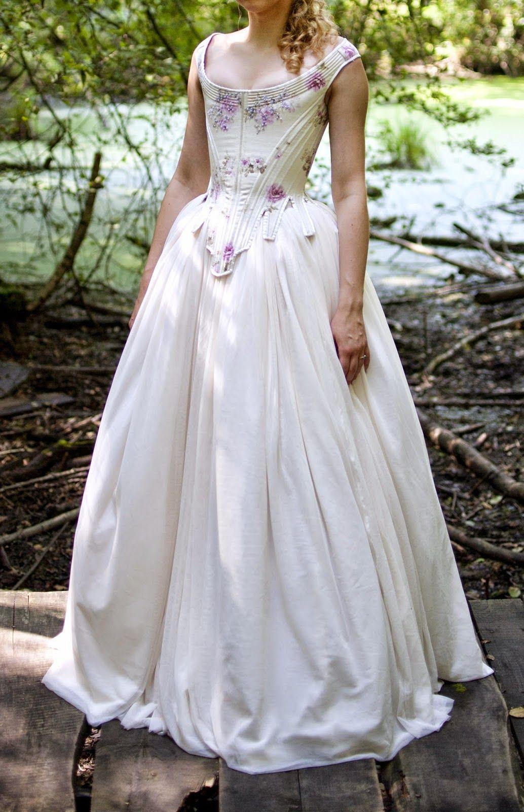 The Gothic Body   Medieval wedding dress, Renaissance ...