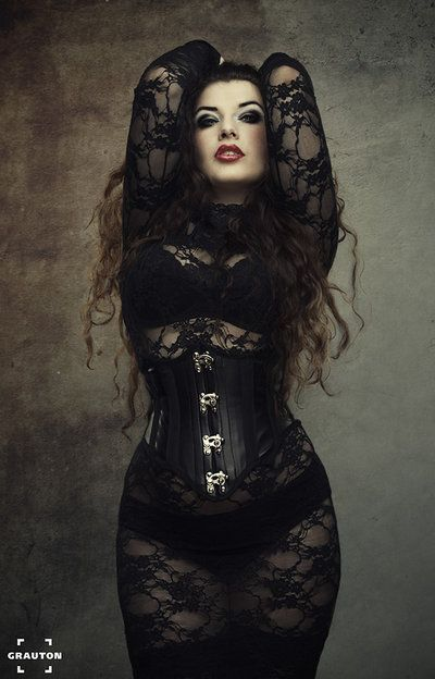 Model Hooker in La Esmeralda