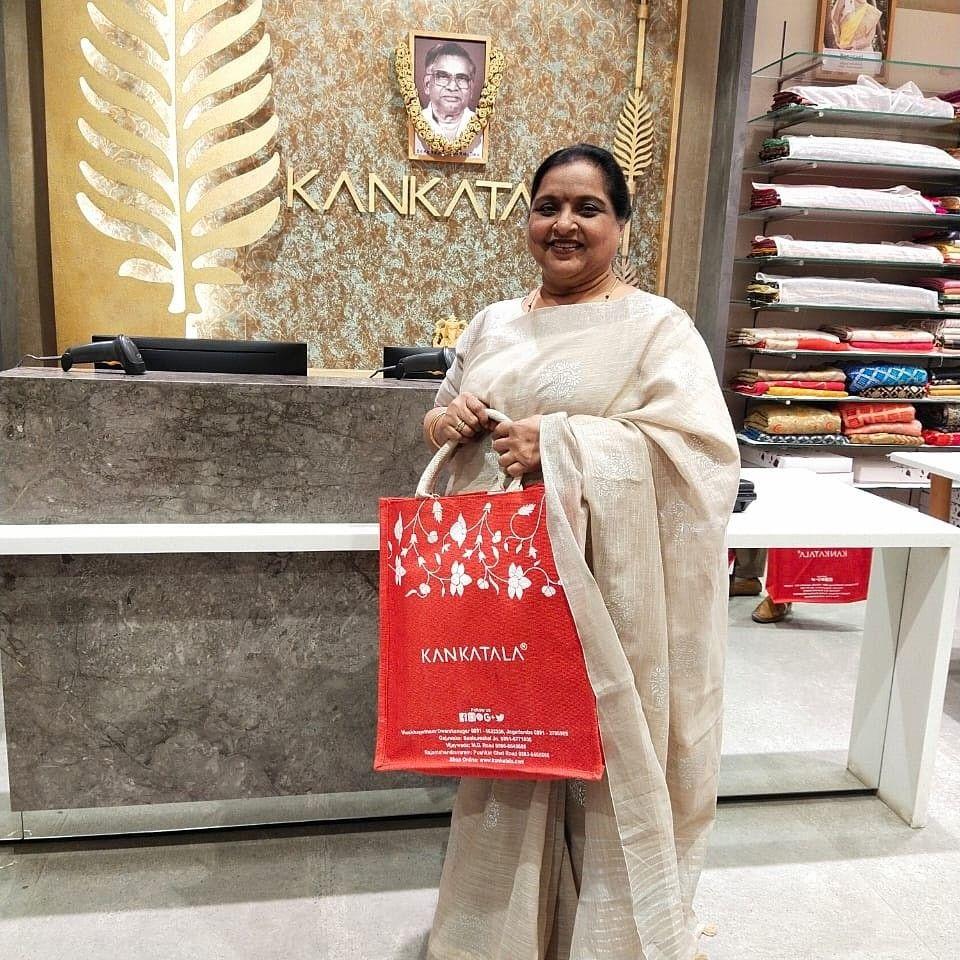 Recently we had the honour to meet actress Roja Ramani at