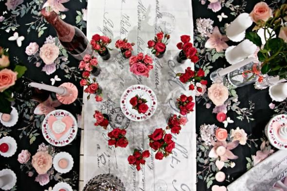 Creative Valentineu0027s Day Tablescapes
