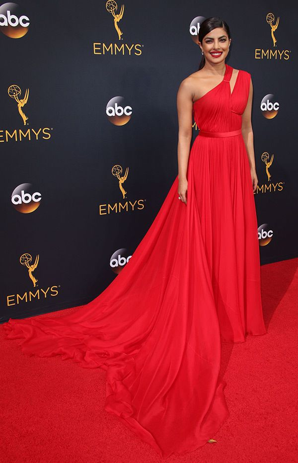 2016 Emmy Awards Red Carpet Photos Pics