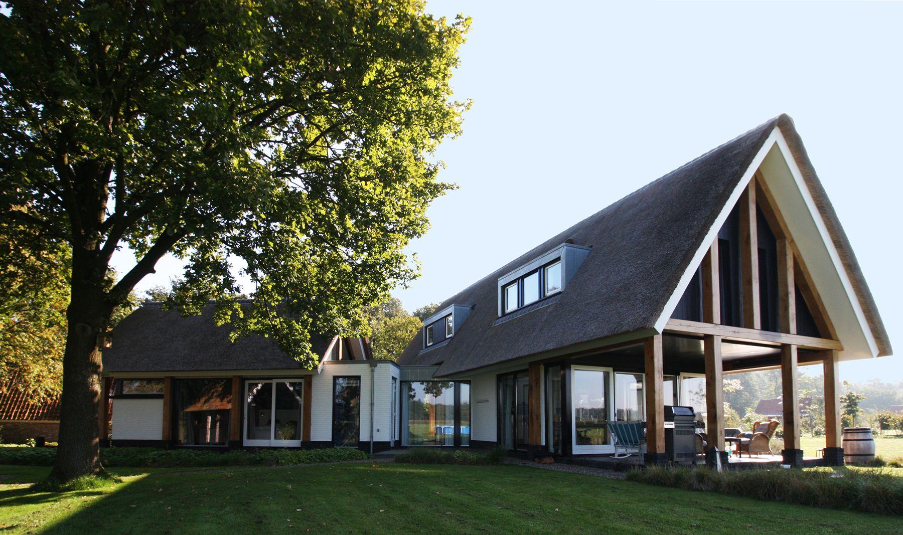 Moderne landelijke villa te hellendoorn korfker for Moderne villa architectuur