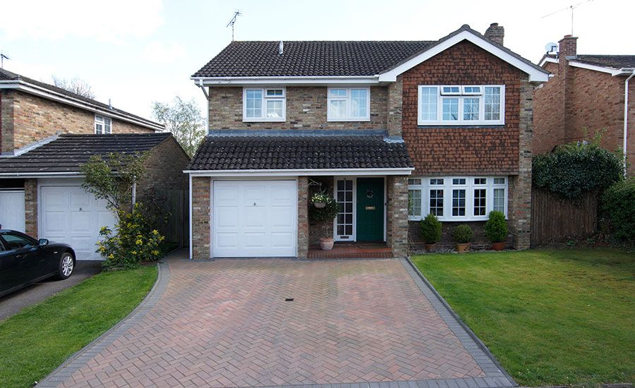 Great Detached House With White UPVC Bay Window
