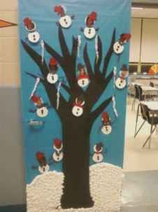 40 Simple DIY Christmas Door Decorations For Home And School #christmasdoordecorationsforschool 40 Simple DIY Christmas Door Decorations For Home And School (35) #christmasdoordecorationsforschool