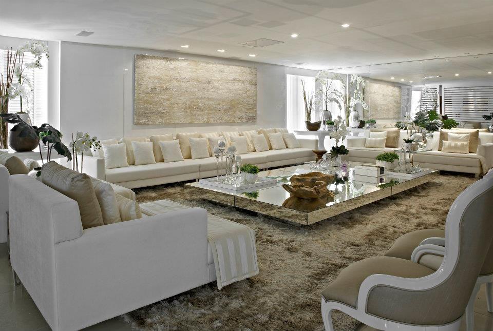 Salas com simetria 2 salas decora o cl ssica e assim for Foto casa classica