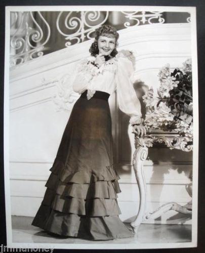 MARY-MARTIN-Vintage-1939-10x13-RICHEE-stamped-PORTRAIT-PHOTO-Edith-Head-FAshion
