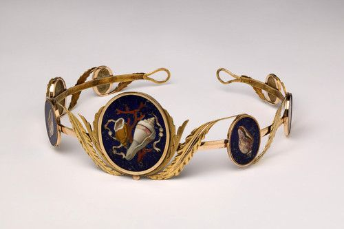 Bandeau/Tiara. 1808, Florence or Naples. Gold and petra dura of semi-precious stones. This particular tiara was said to have belonged to Caroline Murat, sister of Napoleon  who became the Queen of Naples.