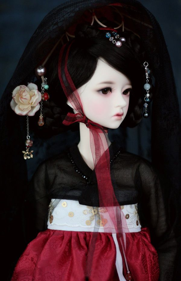 http://www.ebay.com/itm/1-3-BJD-SD-DOLL-Ryuhwa-include-eyes-face-make-up-/252402673426?hash=item3ac45f2712:g:gsMAAOSwagdXRmCj