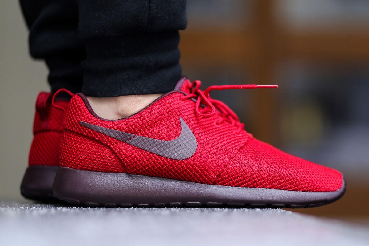 nike roshe run - mens gym red\/deep burgundy color