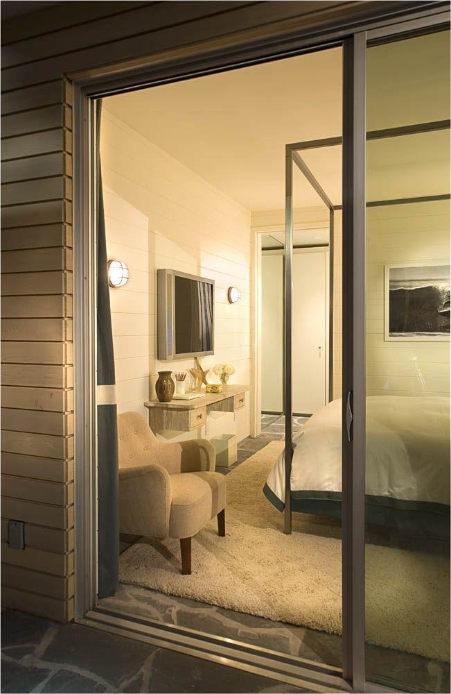 A stunning bedroom idea design by Peter Dunham. For more inspirations, visit our blog! https://goo.gl/D1TCKi #interiordesign #peterdunham #homedecor