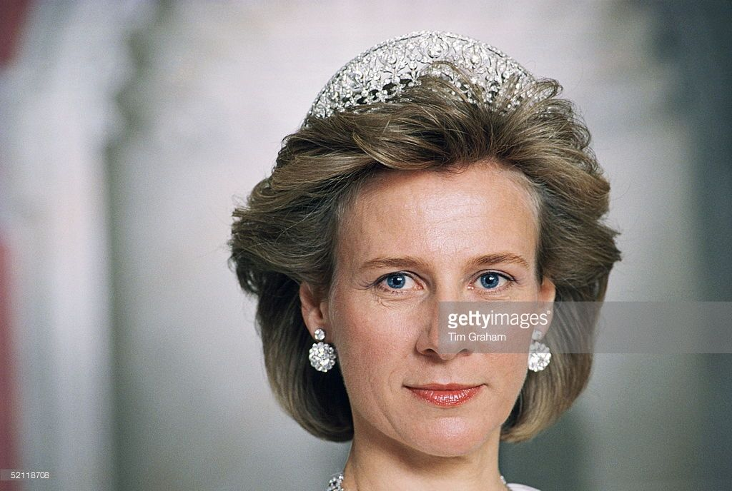 Duchess of gloucester in kensington palace 17th wedding