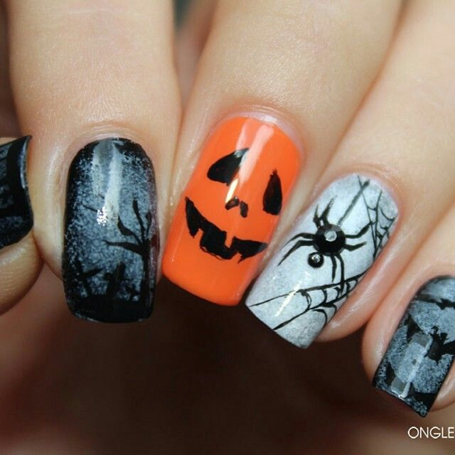 Orange Grey And Black Halloween Nails With Jack O Lantern Spider And Bats Halloween Nails Magic Nails Black Halloween Nails