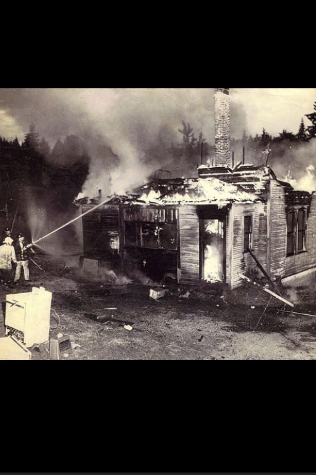 Miss Maudie S House Burning Down Small House Fire Boo Radley