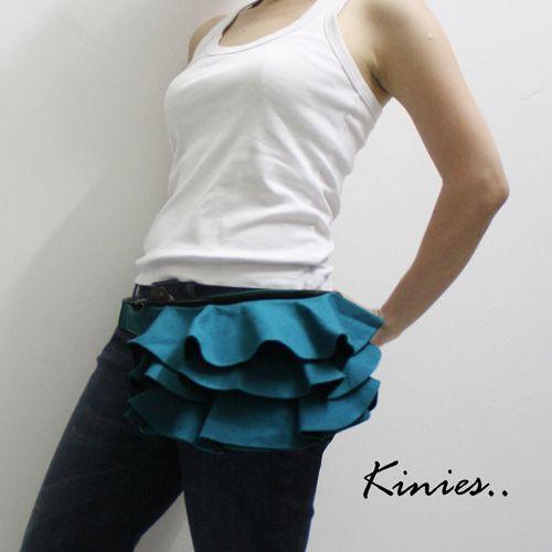Kinies Ruffled Waist Purse, no more fanny packs please!