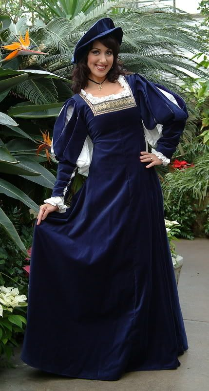 blue and white medieval dress  4d11b5e9cf0a7