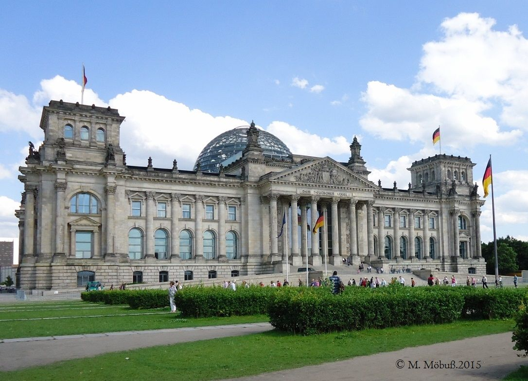 Berlin Germany Reichstagsgebaude Berlin Germany Germany Places To Go