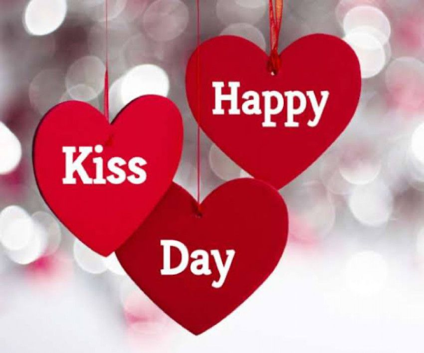 Cute Kiss Day For Valentine S Day Wish Image In 2020 With Images