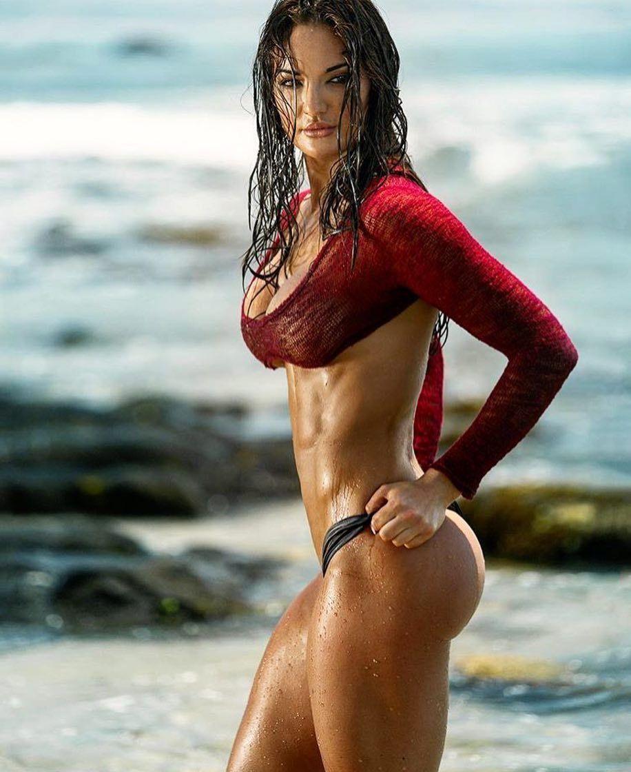 Hot nud fitness women bikini — img 2