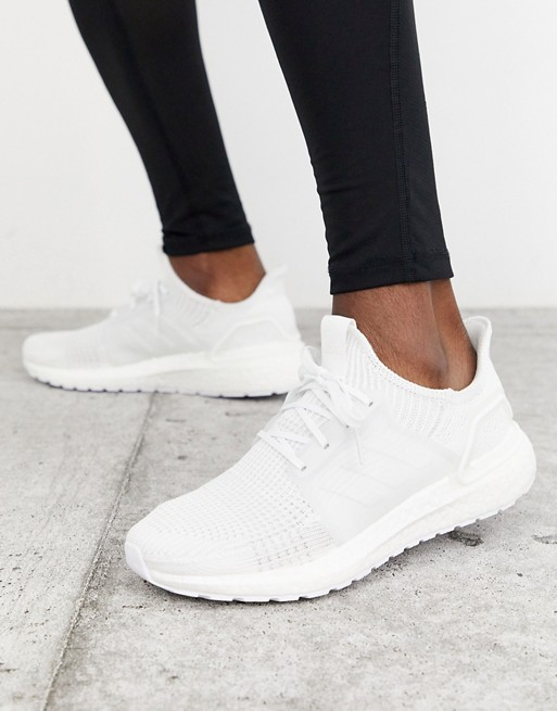 Céntrico templado Puede soportar  adidas Running Ultraboost 19 in triple white | Running shoes outfits, Tennis  shoes outfit, Tennis shoe outfits summer