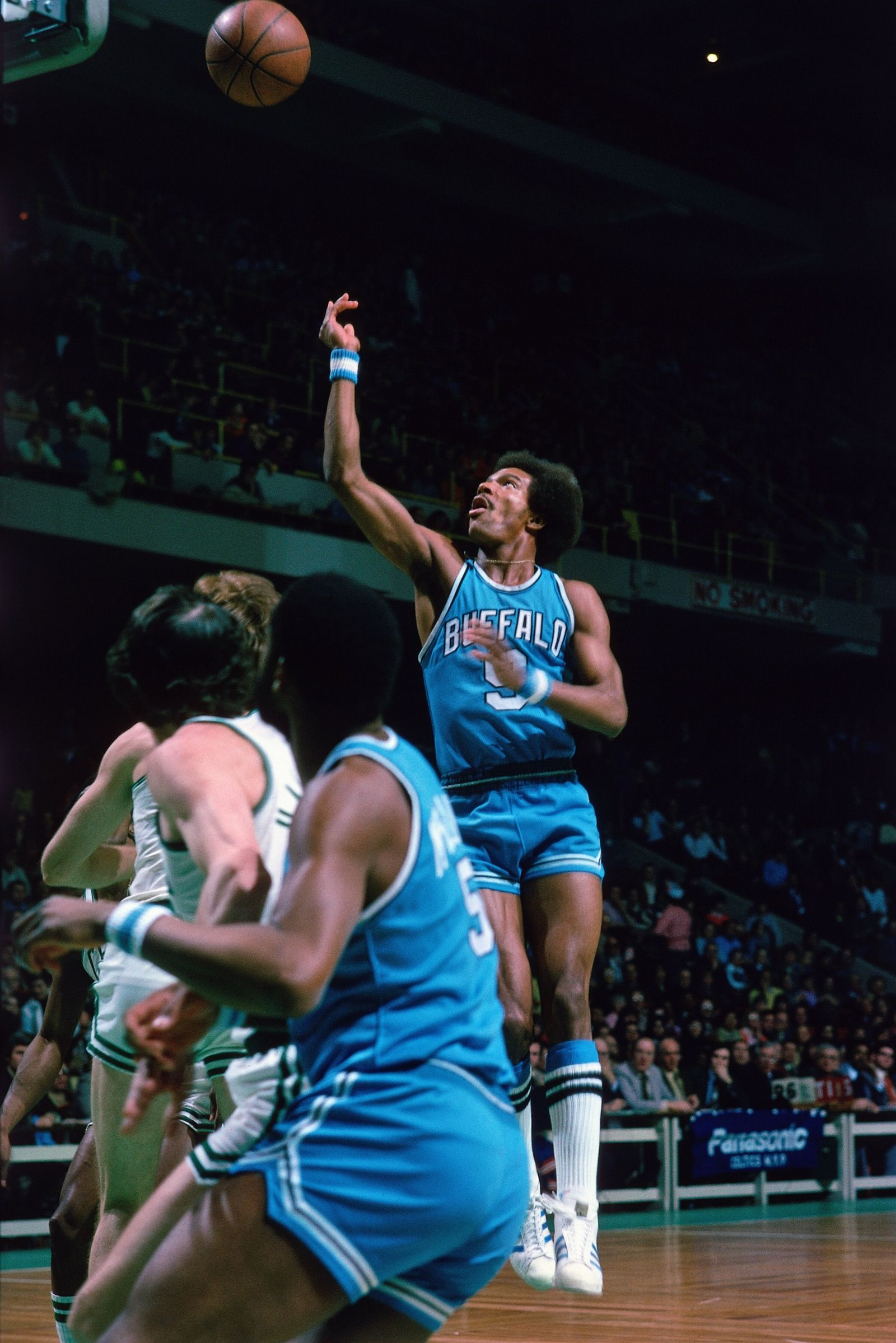 The Buffalo Braves Years Photo Galleries Buffalonews Com Braves Basketball Pictures Basketball Players