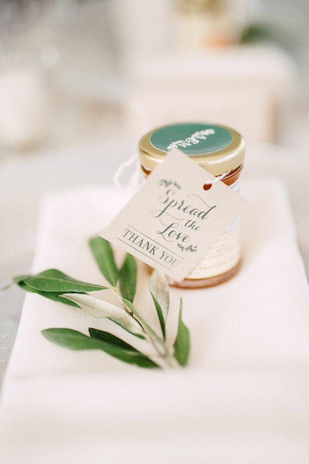 Chic Niagara-on-the-Lake Vineyard Wedding | Honey wedding favors ...