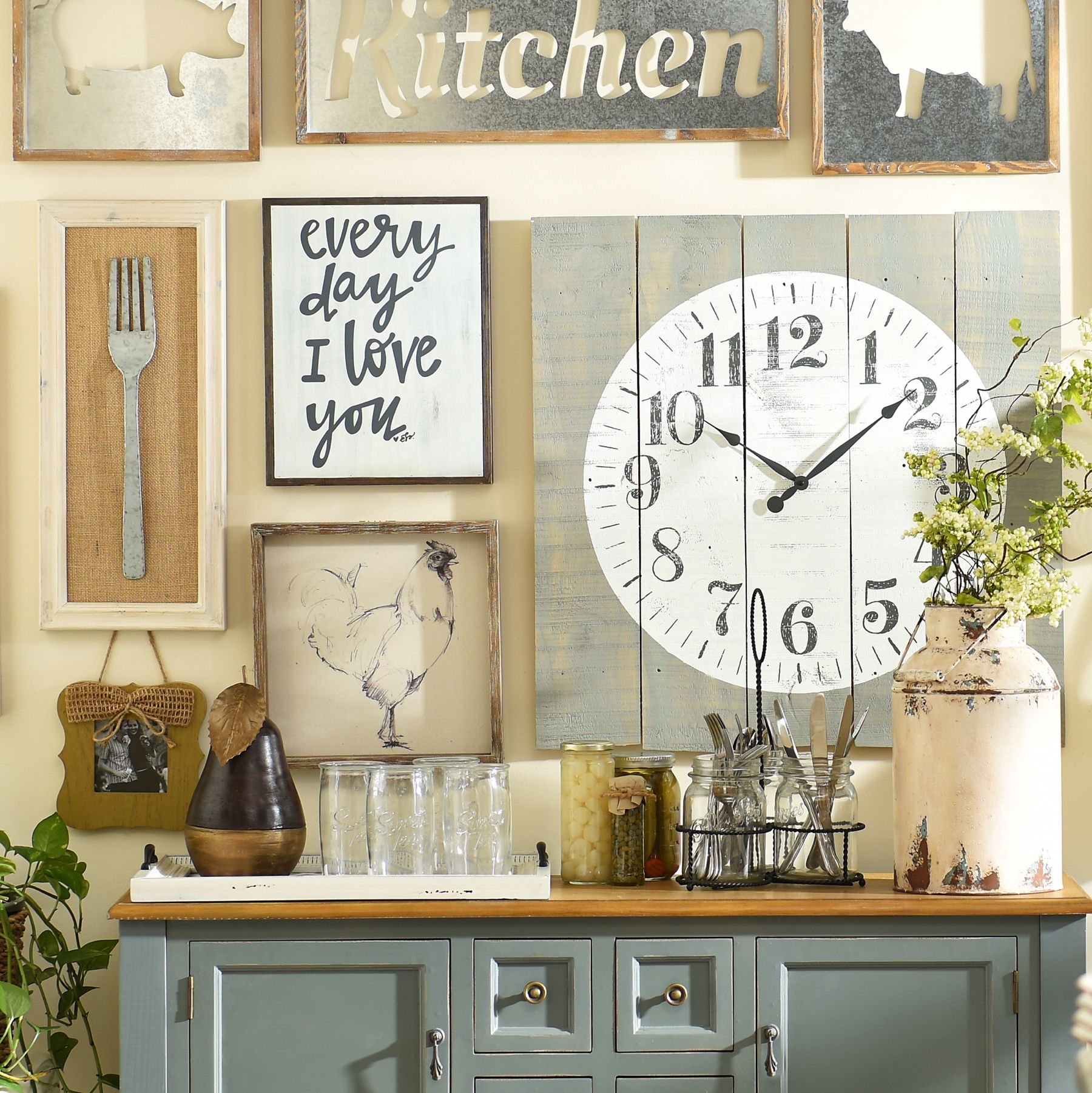 Be Unique And Give Your Home A Cozy Farmhouse Feel. With