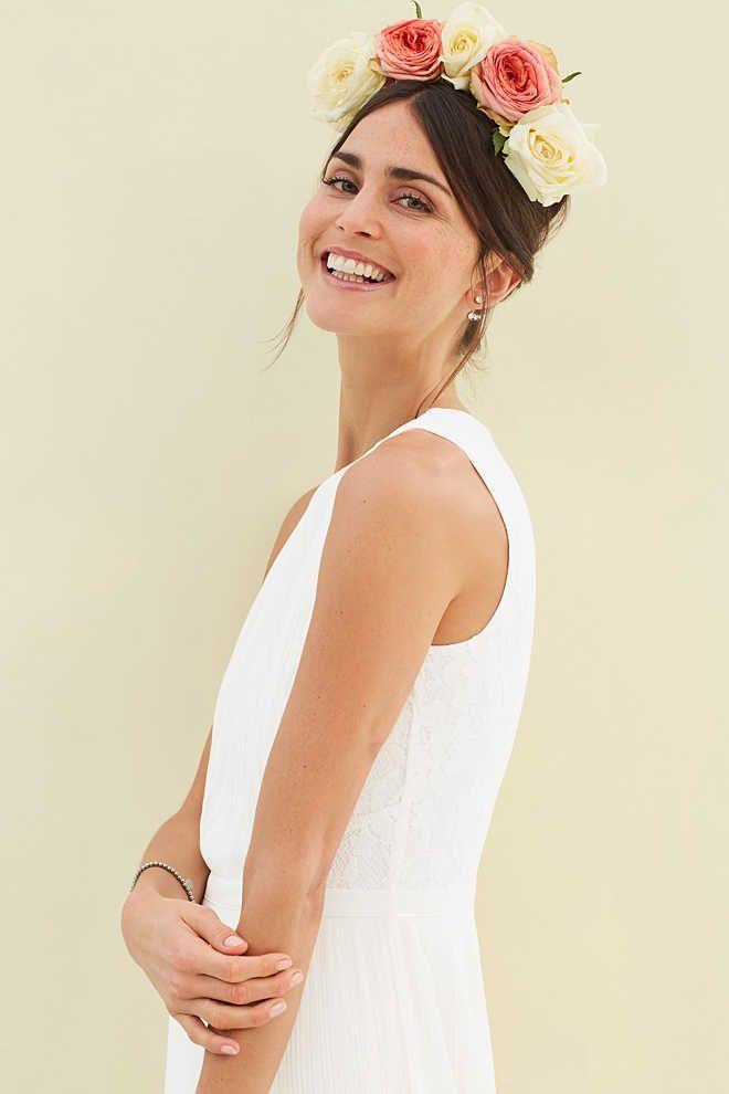 Esprit / Edles Maxi-Kleid aus Spitze und Plissee | Mode | Pinterest ...