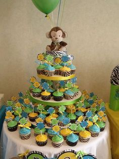 Jungle baby shower party cupcakes! See more party ideas at http://CatchMyParty.com!