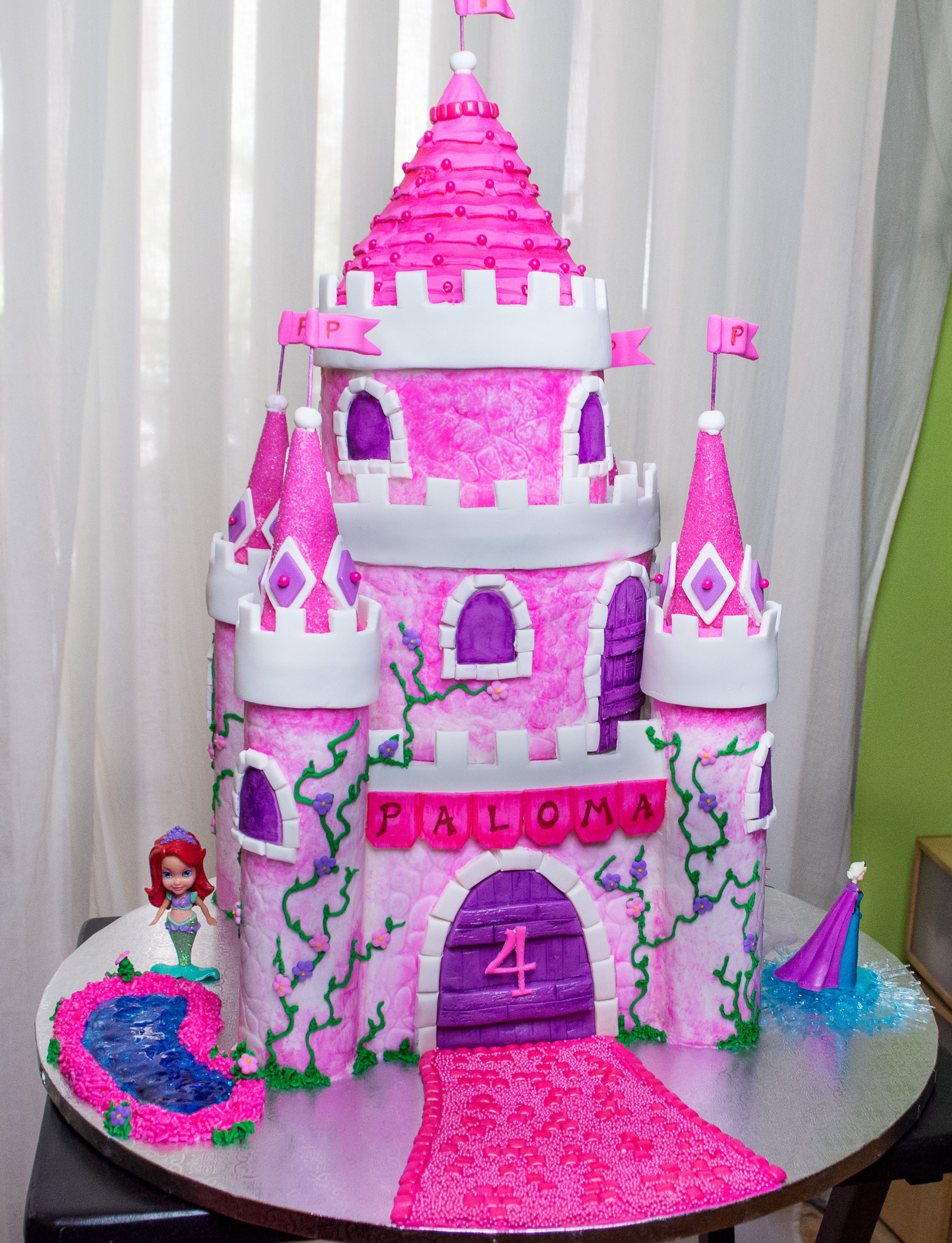 My 4 Year Old Niece Asked For A Pretty Pink Princess Castle Cake