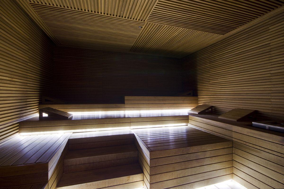Custom made sauna for Conservatorium Hotel Amsterdam. Designed by: P.  Lissoni. /