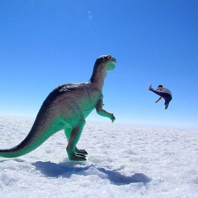 Kickin' the dinosaur #salardeuyuni #salar #uyuni #tunupa #salt #saltflat #bolivia #potosi #andes #altiplano #exploya #travel #startup #inspiration #backpack #backpacker #backpacking #southamerica #picoftheday #dinosaur #miniature #nature #wanderlust #bucketlist