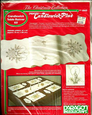 "Vintage Paragon Christmas Collection Candlewick Table Runner Kit 14"" x 59"" 