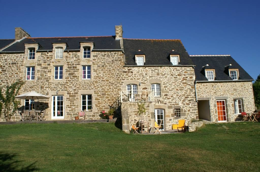 Maison D Hotes La Vallee De La Rance 22490 Plouer Sur Rance Maison D Hotes Belle Maison Maison Style